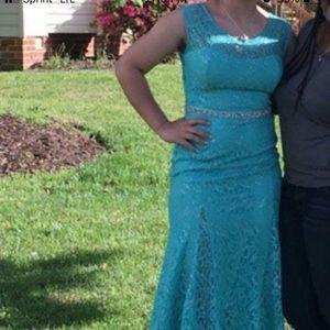 Formal dress/ prom dress